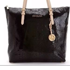 Michael kors  north south snakeskin tote black